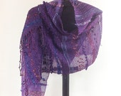 Hand woven scarf in Purple (0100)
