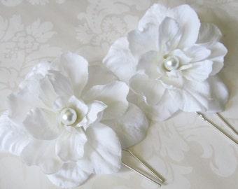 Silk hair flower / White Hair Flower / Tropical Hair Flower / Bridal Hair Flower 2pc Set