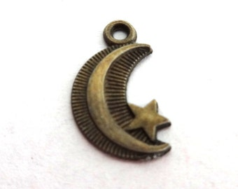 10 Antique Bronze Crescent Moon with Star Charms/Pendants