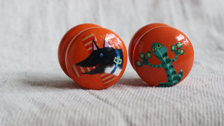 Kids dresser knobs nursery decor childrens drawer knob for Children s bureau knobs