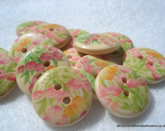 18mm Wood Buttons with Pink Tulip Print Pack of 12 Floral Buttons W1810