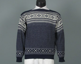 Vintage Mens Sweater -- Jantzen 1970s Navy and Winter White Boatneck Ski Sweater -- Stylized Snowflake and Diamond Pattern Size Medium M