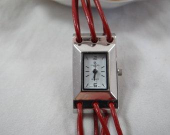 Working Louis Arden Paris Silvertone White Face Ladies Quartz Watch  - wristwatch