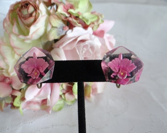 Pretty Vintage Pink Flower in Resin Clip Earrings - Unique and Wonderful - Pretty Flower Earrings - Pink Flower Earrings - Pink Earrings