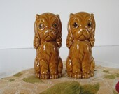 Pair of Doggie Salt & Pepper Shakers, Cocker Spaniel Dogs, Gold, Vintage Mid Century / Rustic Country Farmhouse Retro Kitchen