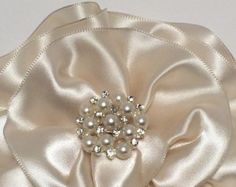 Ivory Flower Magnetic Corsage, Satin Magnetic Brooch, Wedding Corsage, Bridesmaid Corsage