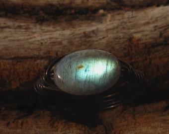 labradorite ring,oxidized sterling silver,labradorite wirewrapped ring,labradorite jewelry