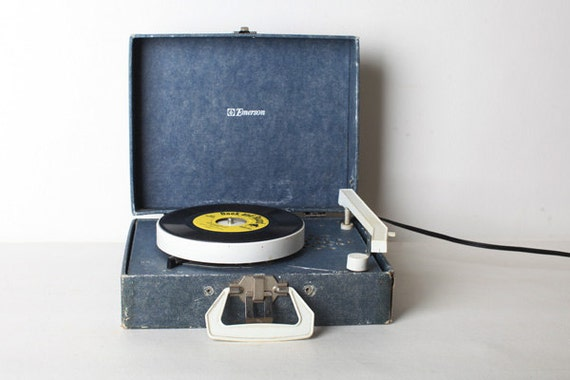 Vintage Suitcase Record Player 73