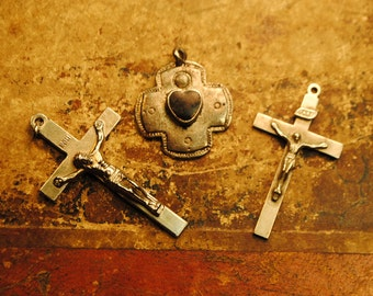 3 pieces religious medals CROSS and BLACK stone cross SCRAP medals for art, altered art, crafts, supplies jewelry , mother mary love no 19