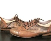 Vintage Tan Snake Skin Cut Out Oxfords vegan  Flats // Size 6 36 // FREE SHIPPING