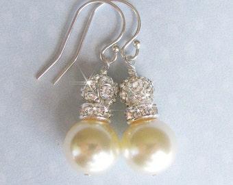 Ivory Pearl Bridal Earrings, Bridal Party, Ivory Pearl Crystal and Rinestone Bridesmaid Earrings, Mother of the Bride, Wedding Earrings