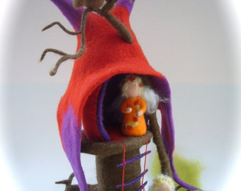 Tree.-stump Fairy  House. Hand Felted.Waldorf . Wet Felted.Owl.