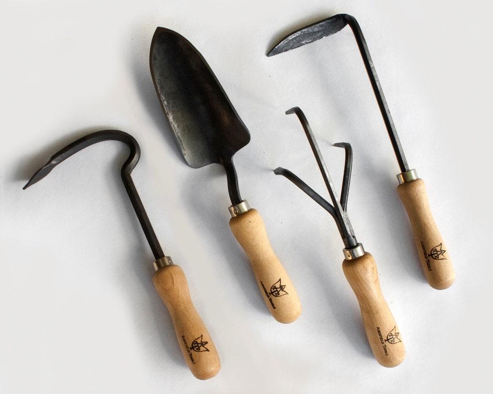 4 piece garden tool setcultivator harrow trowel weeder for Garden tiller hand tools