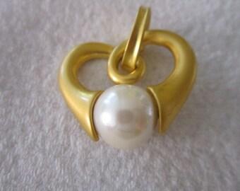 Vintage Park Lane Gold Matte Finish Stylized Heart & Large Pearl Pendant Wonderful