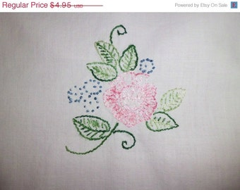 "SALE PINK Rose Runner/ Floral Embroidery / Punchwork Lace / Hand-Made / White Table Runner / 18"" x 39"""
