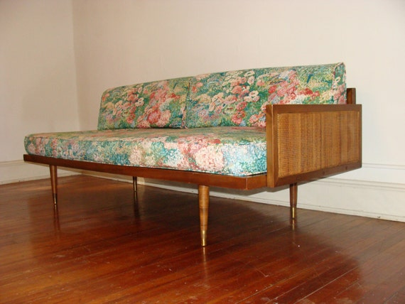 https://www.etsy.com/listing/159983104/mid-century-pair-of-floating-daybeds?ref=tre-2721556973-14