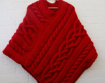 Chunky knit Merino wool Poncho in Scarlet red/ Women Poncho/ Knitted Poncho/valentine's day gift