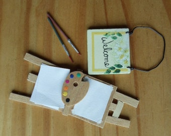 Tiny Little Easel and Welcome Sign
