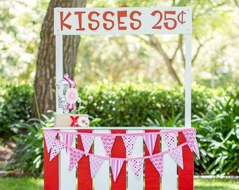Kissing Booth- Photography Prop