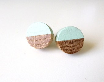 Mint green wood earrings, wood stud earrings, light green earrings, pastel earrings, oak earrings, boho earrings