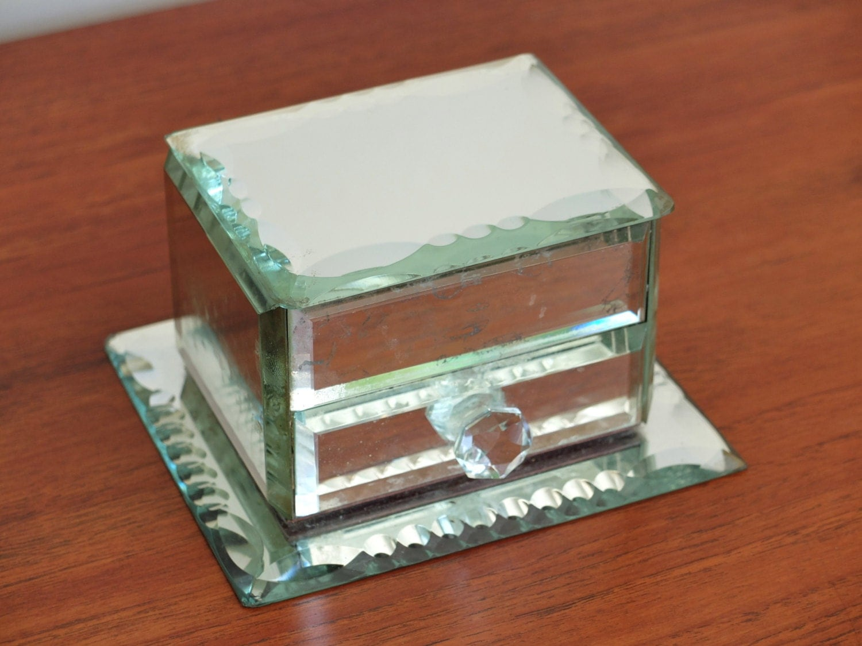 Ancienne bo te bijoux miroir biseaut ann es 50 1950 vintage for Miroir annees 50