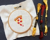 Embroidery pattern for pizza emoji
