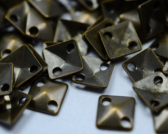 400 Pieces Antique Brass 5x5 mm Sqaure 3D 2 Hole Findings