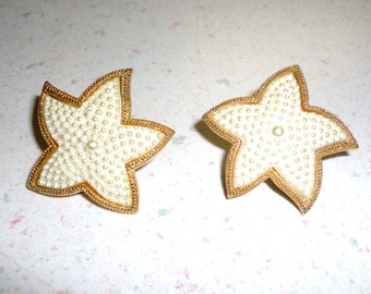 GOLD TONE Faux Pearl Star Fish Clip On Earrings