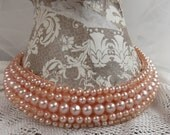 So Hollywood...1950's Pink Faux Pearl Collar!