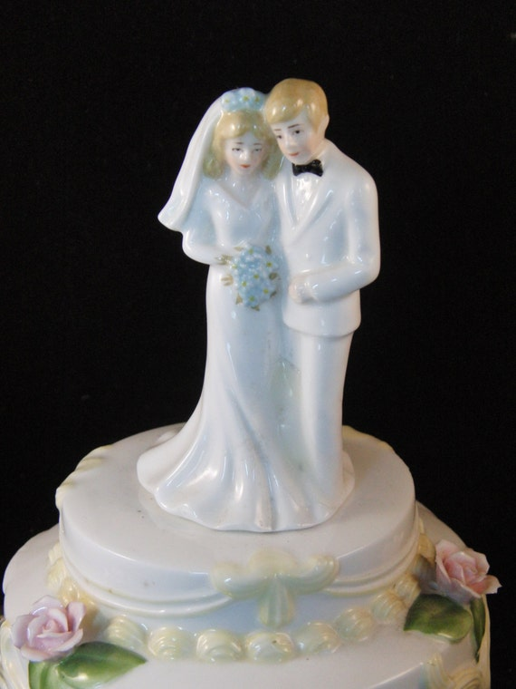 boxing wedding cake toppers vintage wedding cake topper box and groom by 12112