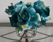 Turquoise Blue Rose Faux Flower Arrangement in Glass Vase with Acrylic Water, Silk Floral Arrangement, Teal Flowers, Blue Flowers
