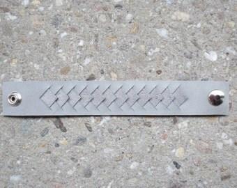 Grey leather bracelet, handmade, braided detail