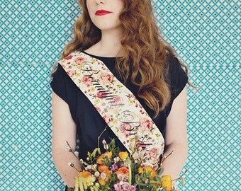 Vintage Style Hen Party Sash - Classy Alternative Hen Do / Bridal Shower /  Bachelorette Party Accessory. Custom Made.