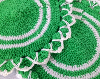 60s swedish vintage mid century modern pot holders. Crochet. Striped in white and green.