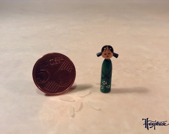 Miniature Kokeshi Made of wood - Article Number K 17
