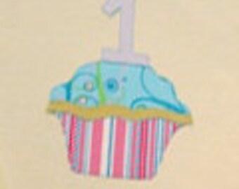 Birthday Celebration Time!- Bib