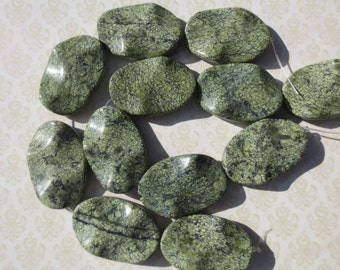 6 Serpentine Wavy Oval Beads - Item 1343