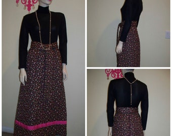 "Vintage 60s 70s "" Loungees "" Solid with Quilted Floral Maxi Boho Wonderful Dress with Belt sz 8"