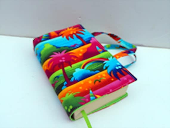 Fabric Paperback Book Covers With Handles : Paperback fabric book cover with handles by patchworkbypaula