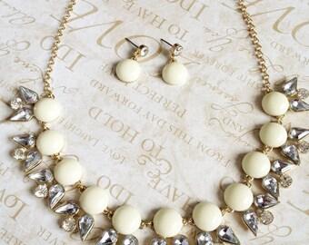Ivory Floral Necklace Set