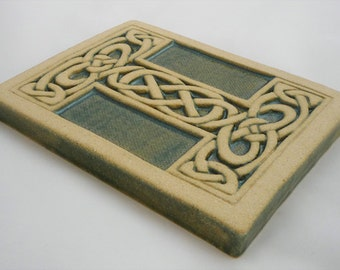 Letter I Celtic Knot Alphabet Tile