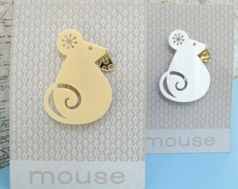Laser cut retro mouse with cheese brooch