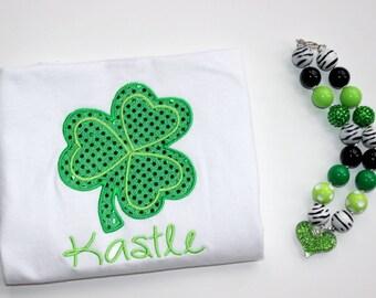 St Patricks Day chunky bead necklace green gold and white St Patricks Day bubblegum bead necklace girls chunky bubblegum necklace shamrock