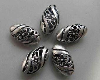 Tibetan Silver Oval Beads 22mm - A388