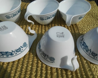 6 Corelle White Blue Onion Vitrelle Half Hook Handle Coffee  6 Cups and 5 Saucers 1970's