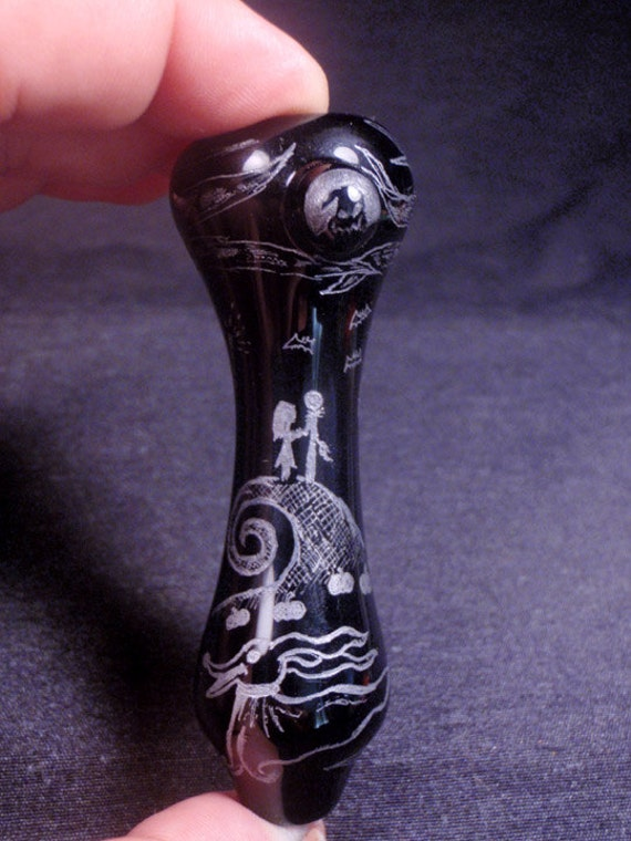 ... Nightmare Before Christmas Hand Blown and Etched Glass Chillum By
