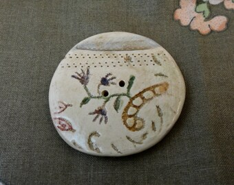 114: Very Large Ceramic Button