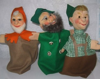 60s / 70s. Wonderful, original KERSA hand puppets with fabric head: forester, Seppl and dwarf. 3 pieces. Made in Germany. Vintage