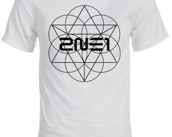 """2NE1 """"Crush"""" Logo K-pop T-Shirt"""