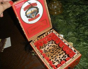 Cigar Box Purse New Authentic Tampa Red Gran Habano #302